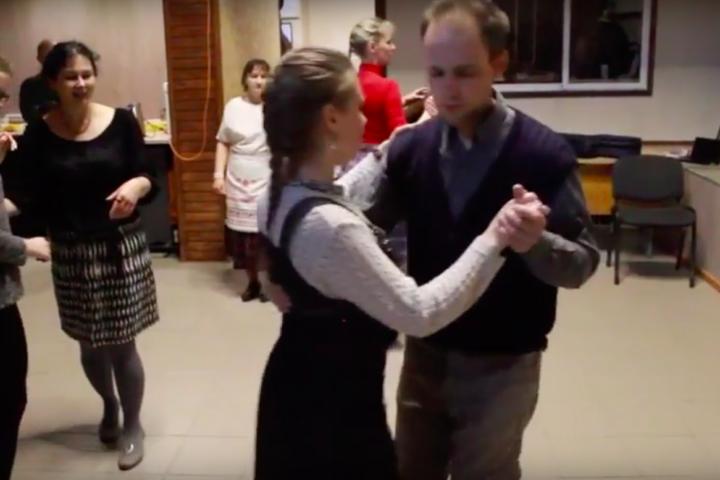 Цікавае відэа пра гурток народных танцаў на «Коле»
